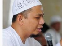 Tangisan Jamaah Iringi Doa Ustadz Arifin Ilham di Mako Brimob