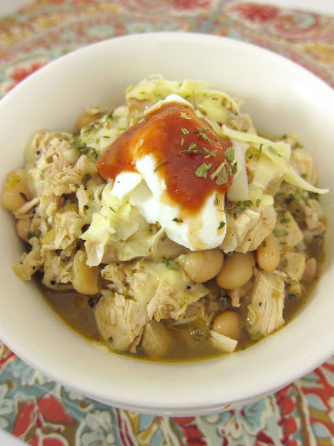 White Chicken Chili Recipe - chicken, white beans, green chiles, spices and chicken broth - ready in 20 minutes!