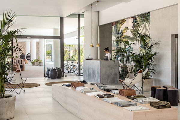 vosgesparis a boutique hotel on the greek island of rhodes casa cook. Black Bedroom Furniture Sets. Home Design Ideas