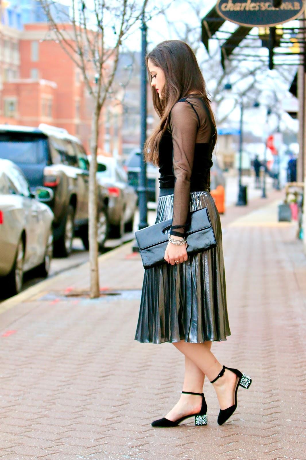 how to wear metallic skirt pics