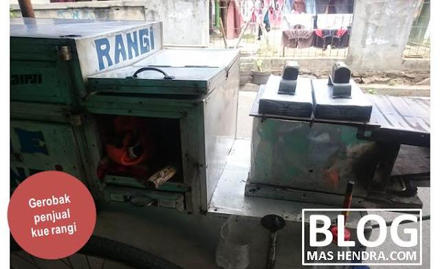 Gerobak Penjual Kue Rangi - Blog Mas Hendra