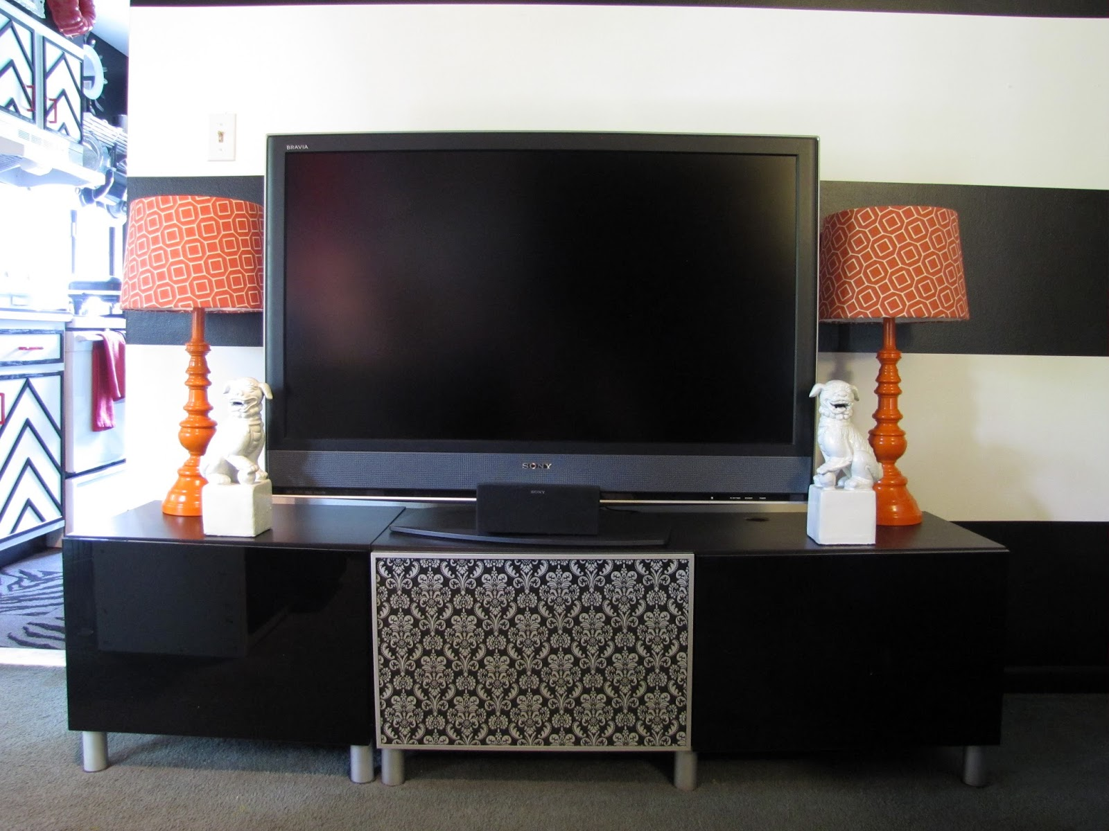 If It's Not Baroque...: TV Stand Makeover