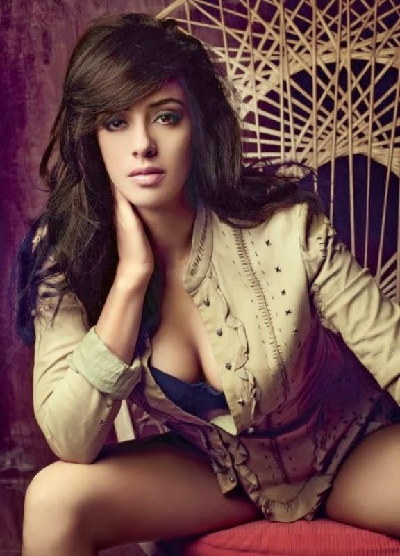 Film Actress Hd Wallpapers Hazel Keech Bollywood Addaa Latest Bollywood Hot Pics