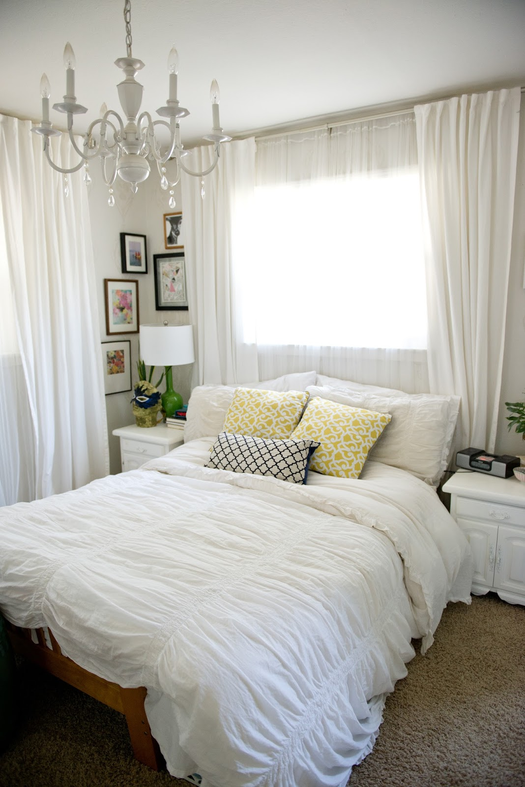 domestic fashionista a colorful bedroom for now 11165 | colorful bedroom 8
