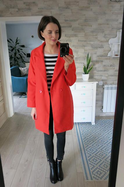 Czerwony płaszcz | Red coat