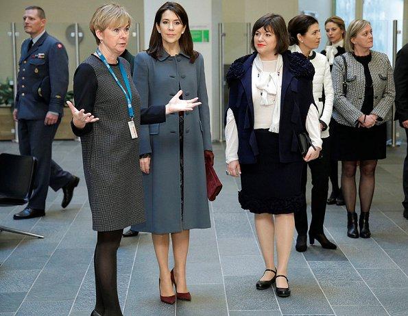 Crown Princess Mary wore Oscar de la Renta Diamond Cutout Plaid Dress, Gianvito Rossi Business Pumps, Boss Clutch bag
