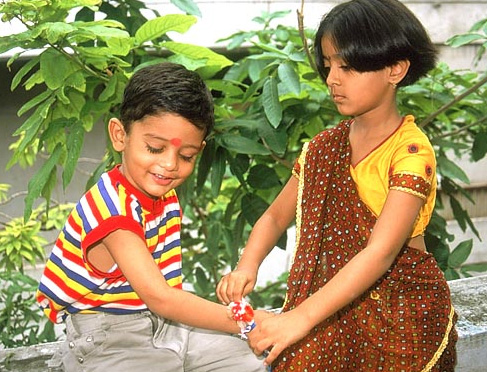 5 Out of the Box Rakhi Gift Ideas