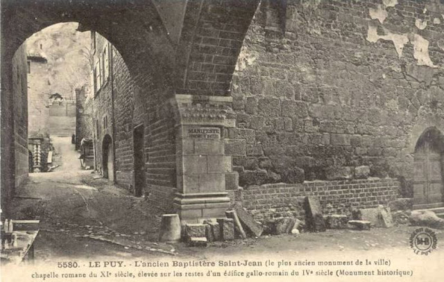 Le Puy l'ancien Baptistère saint Jean