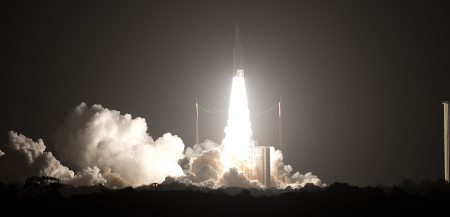 Ariane 5 rocket launches EUTELSAT 65 West A satellite into space. Credit: ESA/CNES/Arianespace