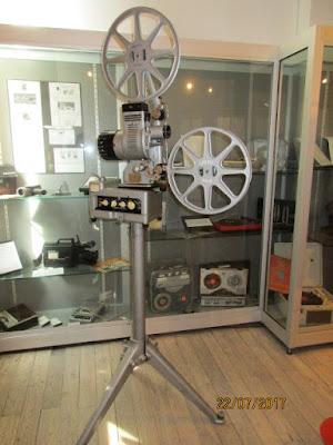 Projecteur 16 mm type MB15 de DEBRIE, fabrication française, 1950 (collection musée)