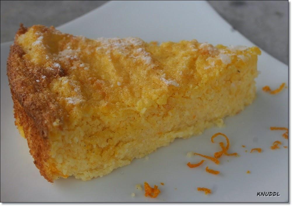 Portugiesischer Mais Griess Kuchen