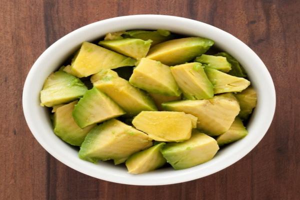 fructele avocado sunt foarte sanatoase