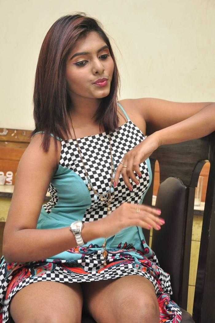 actress hot press