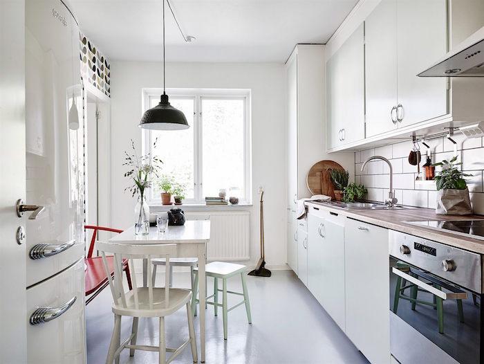 ideas para renovar tu casa- cocina con papel pintado