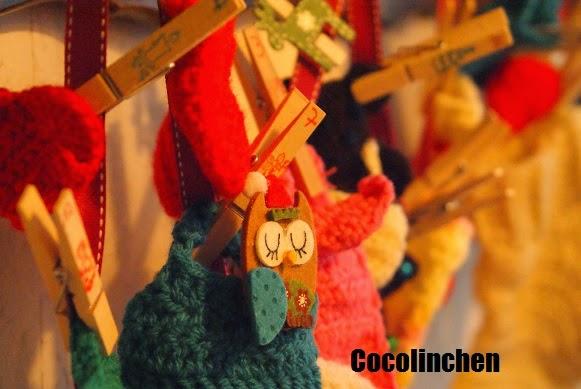http://cocolinchenundkatti.blogspot.de/2014/11/gehakelter-adventskalender-diy.html