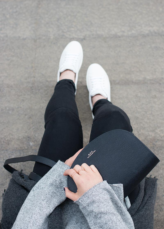 Minimalist blogger style