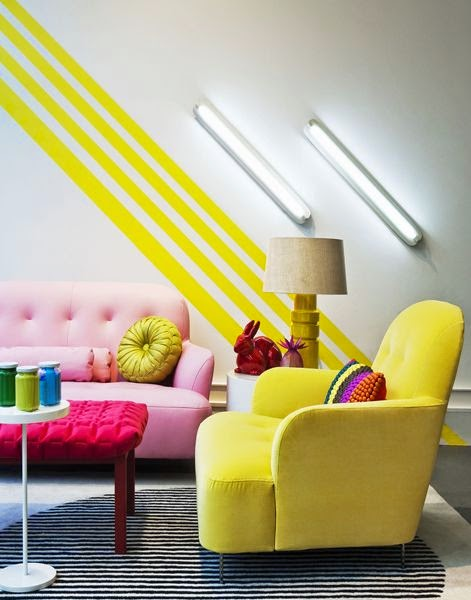 In This Pink Yellow Combination The Golden Walls Harmonize Well With Other Trendy Shades Of To Make An Exuberant E