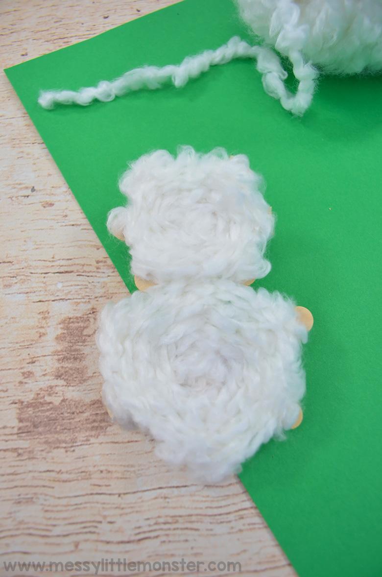 Yarn Christmas ornaments craft