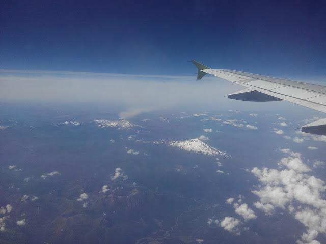 Volcanes Callaquí y Copahue desde el avión (Chile)