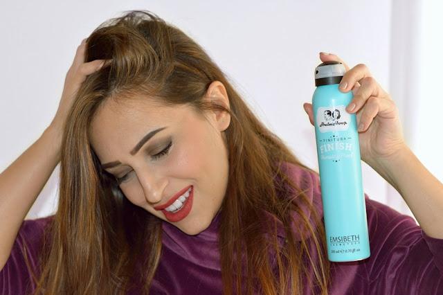 Ecco un alleato molto utile per mantenere la piega contro il crespo e l'umidità dei nostri capelli. #capellicrespi #emsibeth #hairstyle #humidityproof #madeinitaly #mantenerepiega #prodottipercapelli #stylingcapelli #finishingspray #curacapelli