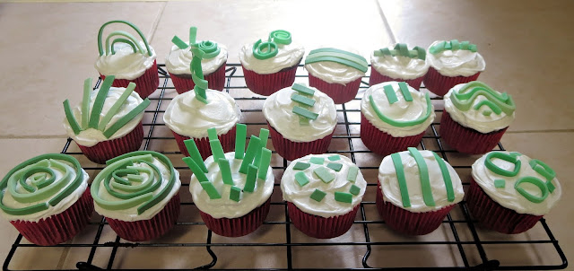 Fun Abstract Art Cupcakes 1