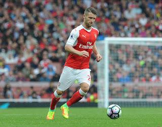 Mustafi playing for Arsenal