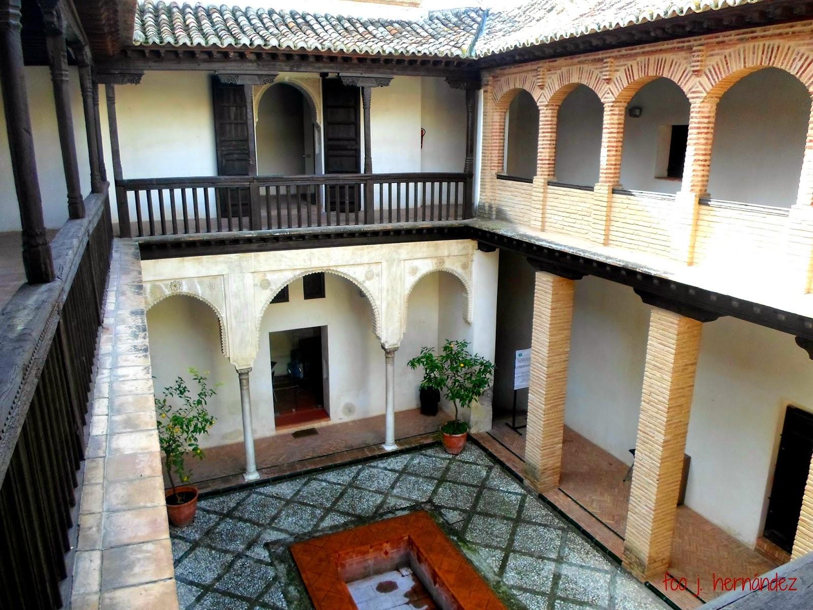 Lugares de granada con encanto casa morisca de la calle for La casa de granada en madrid