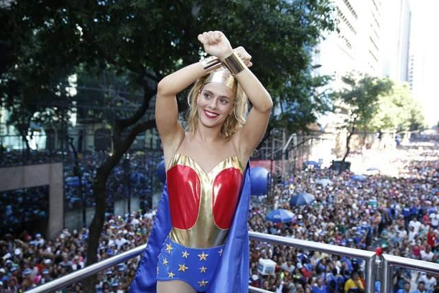 Gallery Foto, Biodata Singkat Carolina Dieckmann, Artis Brazil Cantik Seksi