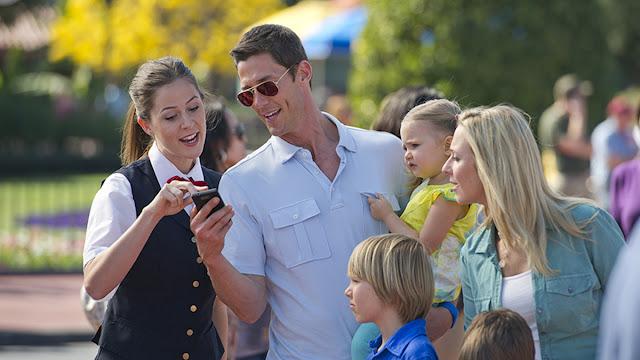 Cast Member: Atendimento por telefone da Disney em português