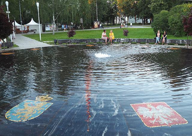 Великий Новгород – Ганзейский фонтан (Veliky Novgorod - the Hanseatic Fountain)