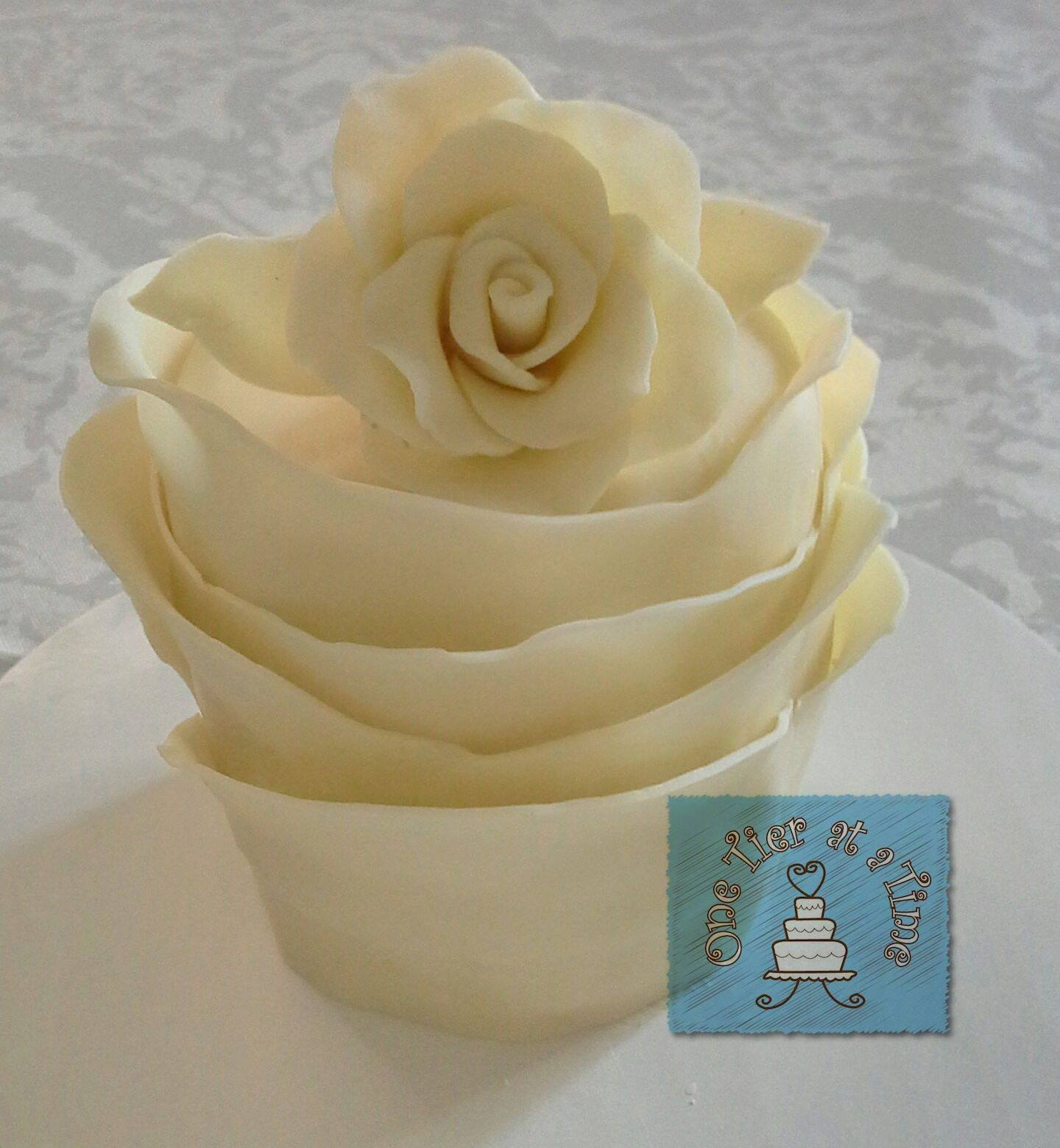 Ivory White Modelling Chocolate Rose Cake