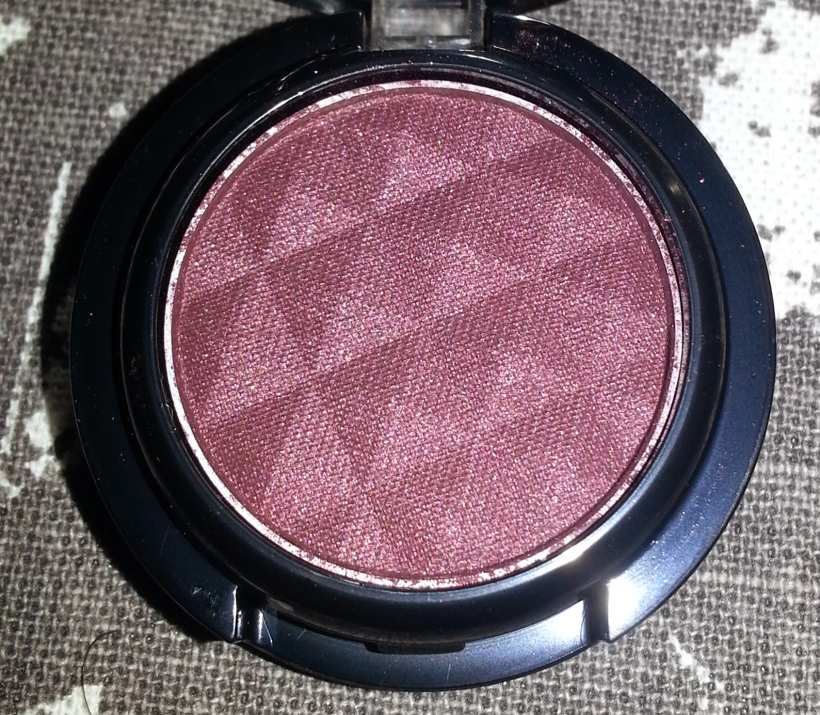 Lioele Color Eye Shadow in 15 Bordeaux Wine