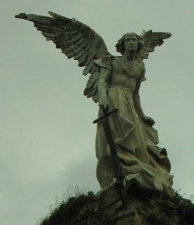 Ángel Guardián de Josep Llimona. Cementerio de Comillas, Cantabria