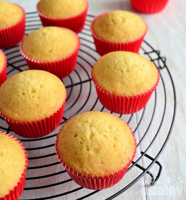 Voorkeur Basisrecept vanille cupcakes - Laura's Bakery NJ41