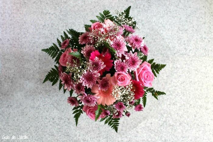 Rosas, crisantemos y gerberas