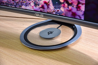 Built-in Qi wireless charging pad