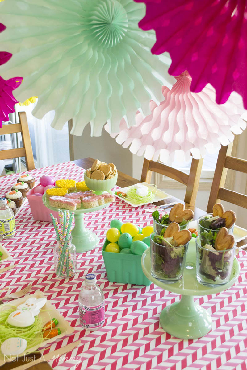 How to style a Easter table with easy tips and ideas