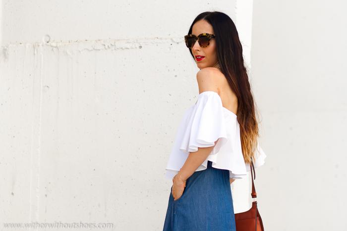 Influencer blogger instagramer de moda belleza de Valencia con labios rojos