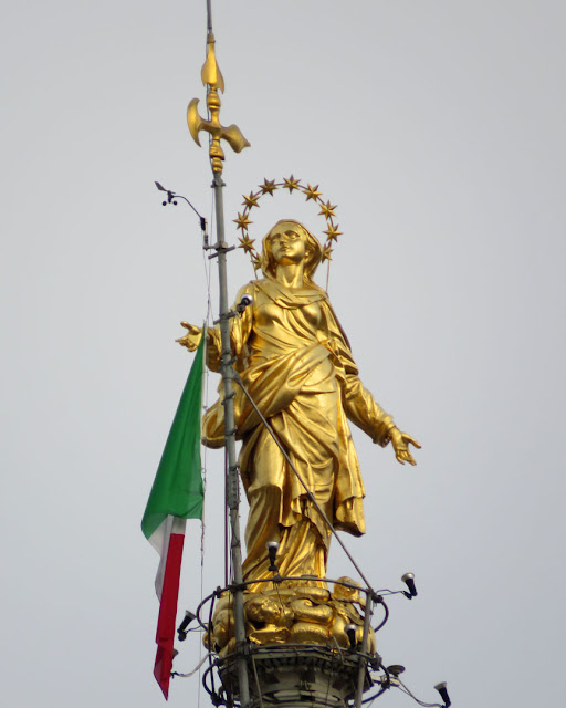 Madonnina by Giuseppe Perego, Duomo di Milano, Milan Cathedral, Piazza del Duomo, Milano