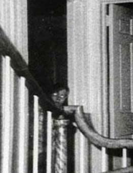 18 Penampakan hantu nyata paling mengerikan di dunia