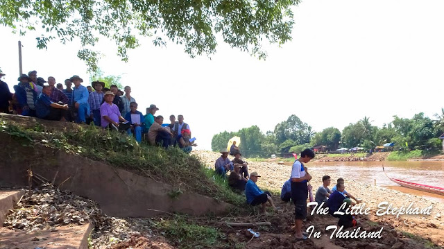 Watching the boat races in Tha Wang Pha, North Thailand
