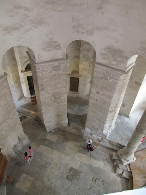 interior iglesia de San Donato en Zadar