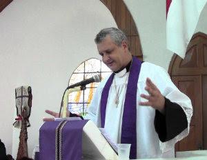 reverendo Carlos Eduardo Calvai