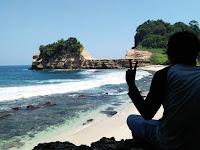 Hidden Beach (Pantai Pathuk Gebang) Tulungagung