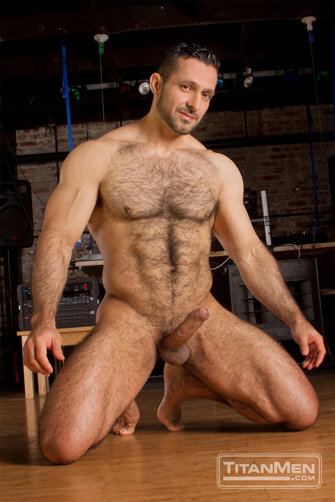 Striaght Nude Men
