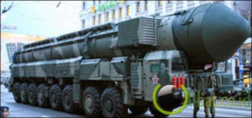 RT-2UTTKh Topol-M - ICBM (Rusia)