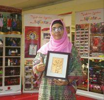 rosi haryati pionir embross painting