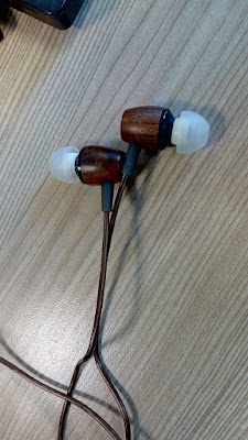 wood earphone