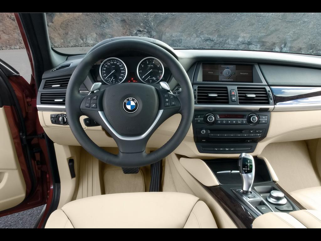 BMW Car 2011: 2011 BMW X6 Interior Photos