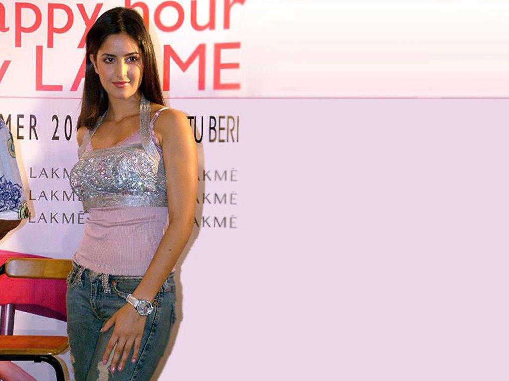 Actress Hot Sexy Unseen Images: Katrina Kaif Hot In Boom ...